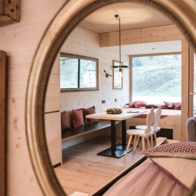 Blick ins Spiegel-Appartement in Tirol - Ferienimmobilie zum Verkauf