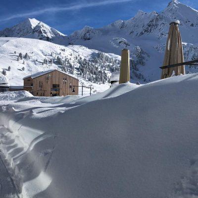 3-Seenhaus in mitten einer Winterlandschaft in Kühtai