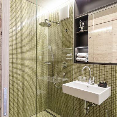 Modernes Bad in neuen Ferienwohnungen in Tirol