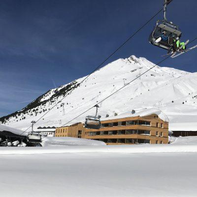Liftanlage direkt neben Ferienimmobilien - beste Lage für Ferien in Tirol